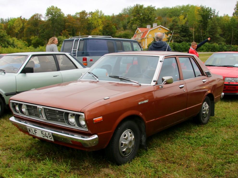 brunmetallic var den självklara färgen när du köpte din Datsun 160J 1979.
