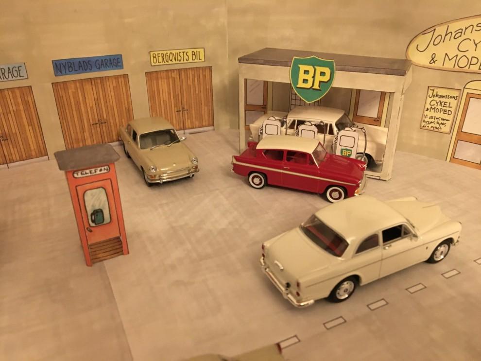 Per Friberg samlar på modeller av bilar som han ägt.