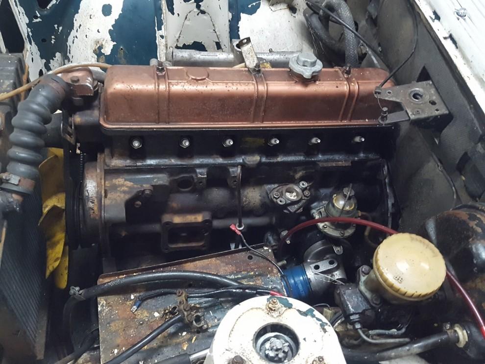 Motorn ska göras ren för att sedan få en omgång färg.