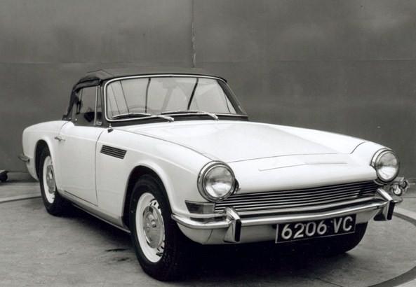 Triumph Zest ser nästan helt färdig ut 1965. Man ser drag av både den existerande Spitfire och kommande TR-bilar