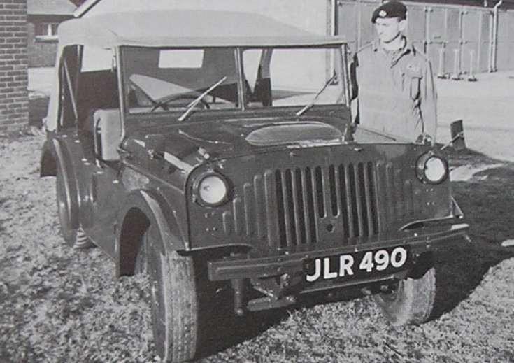 Willys Jeep blev vägledande för hur ett enkelt fordon för fält skule se ut. Många andra hakade på.  Nuffield Gutty var en prototyp från Morris 1947.