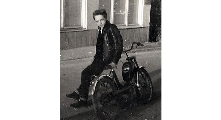 Den första egna mopeden