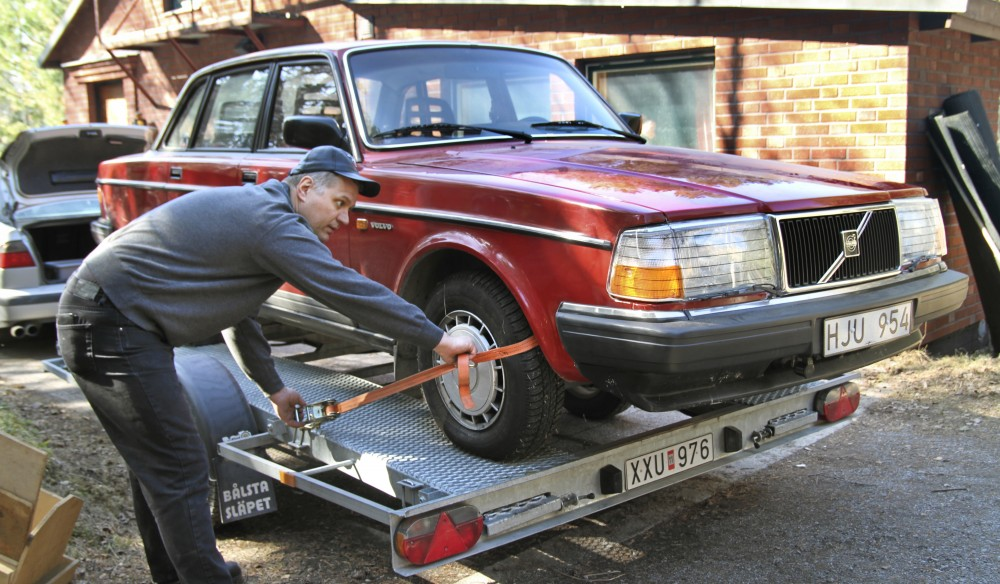 Volvo 240: Turn-Key!