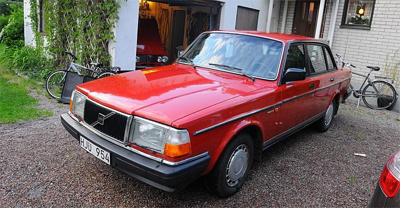 Volvo 240: Första åtgärden