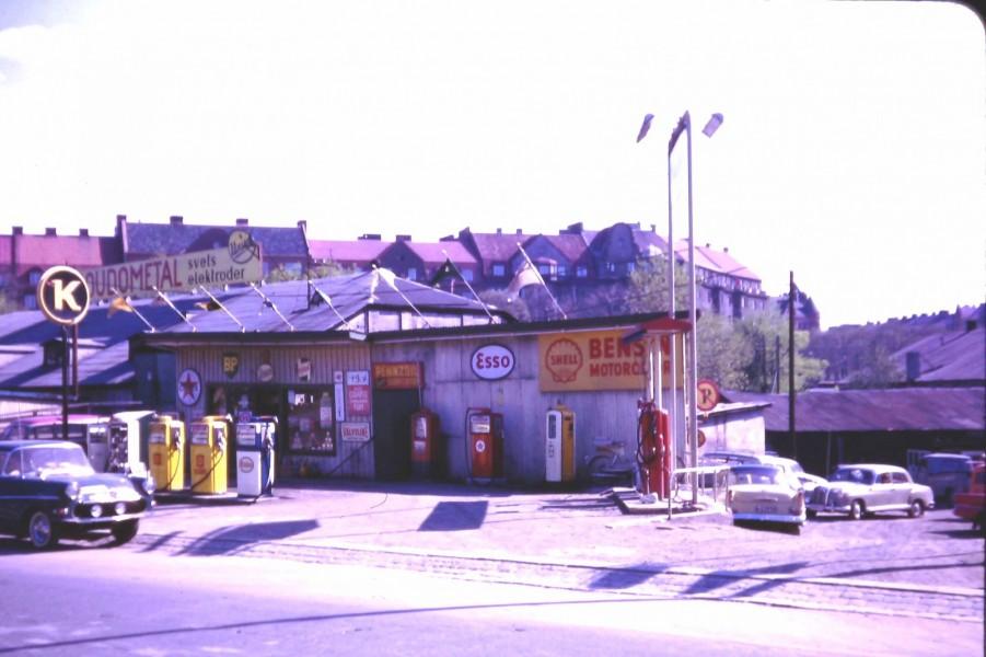 Esso: Down Valhallavägen