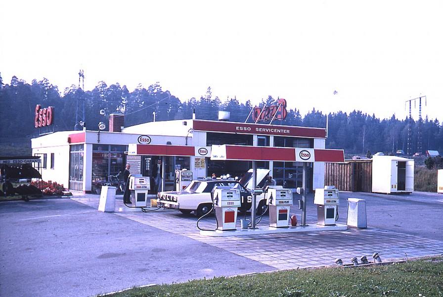 Esso: Polis-Valiant i Häggvik