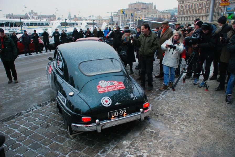Finskt ekipage som startade i Stockholm. Jussi och Martt Kohtanen kör Saab 93B 1959.
