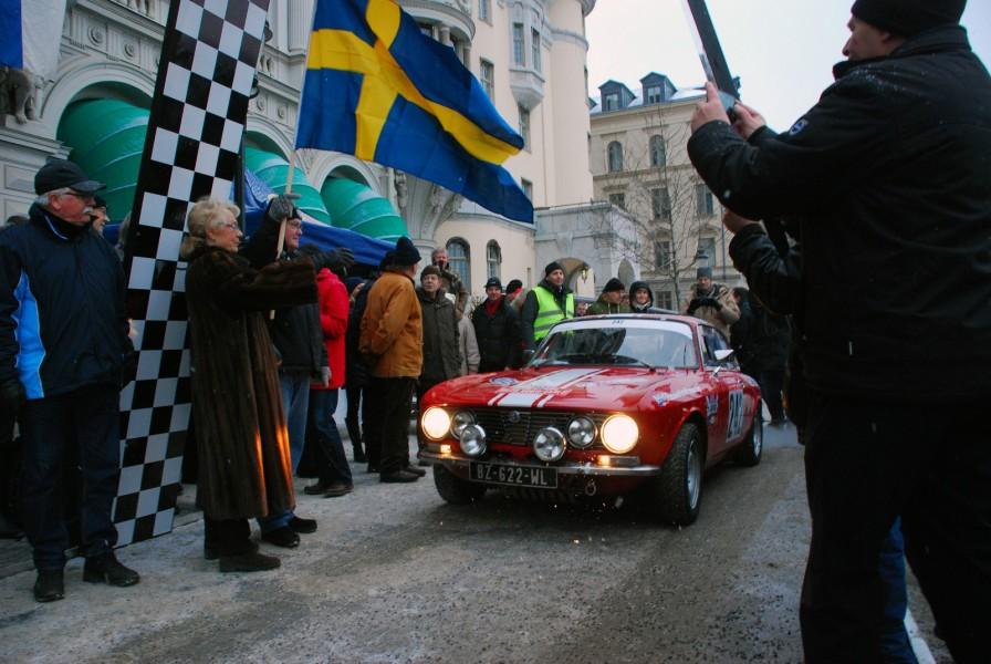 Jason Wright och Stefano Traverso i sin Alfa Romeo GTA 1300 1968.
