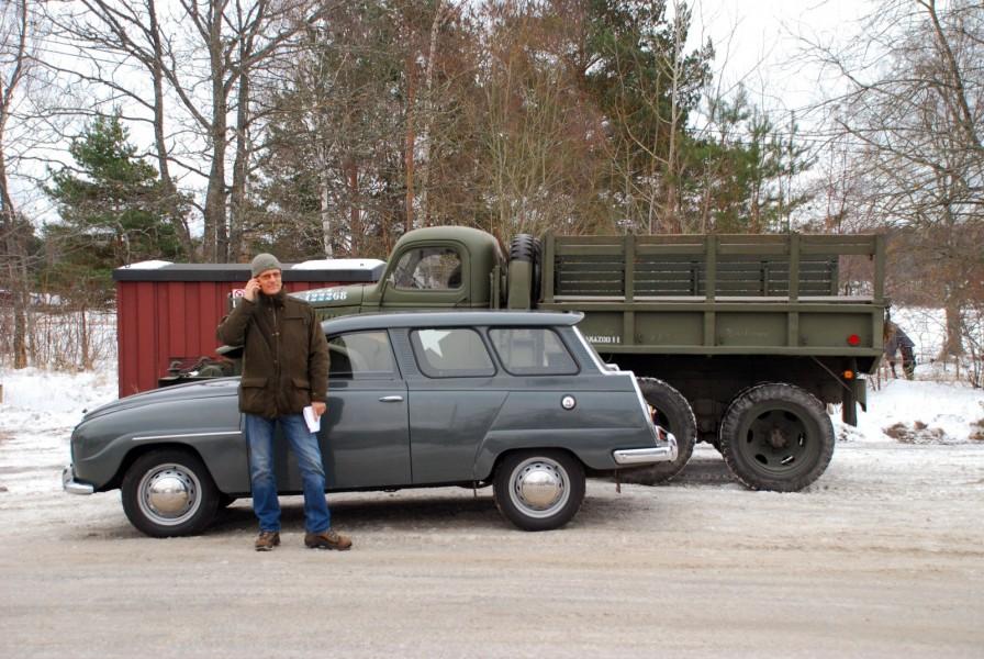 Skarpa profiler: Saab 95 1966 och GMC 1940.