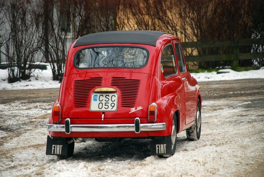 Fiat 600C från 1966 på vinteräventyr.