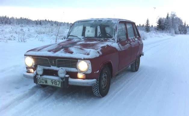Renault 6 i snön
