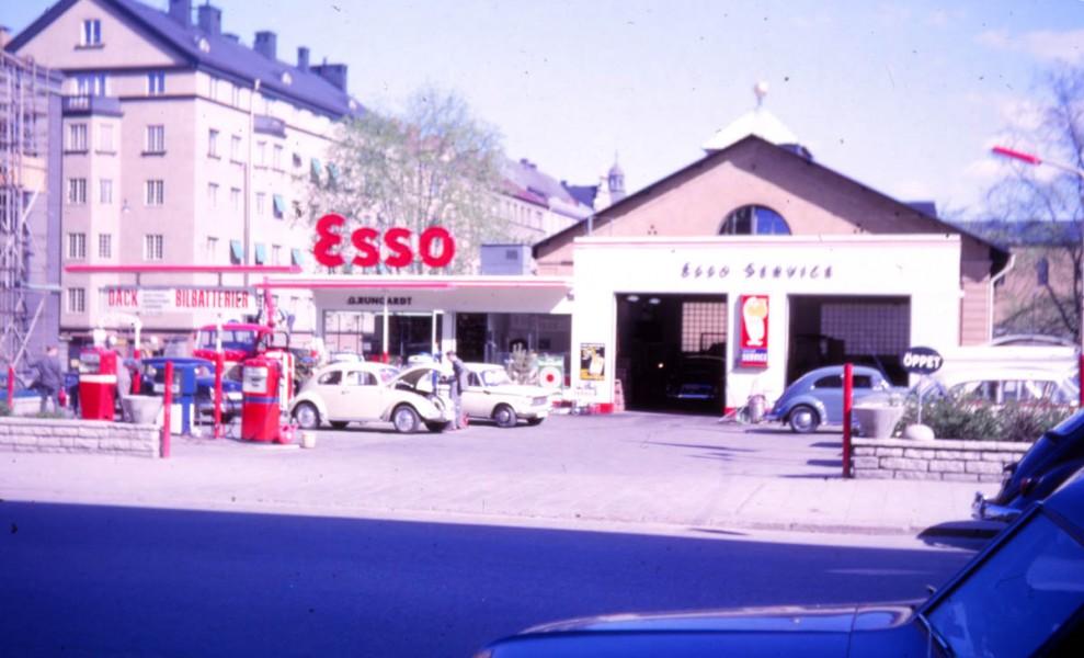 Esso:  Vår på Östermalm