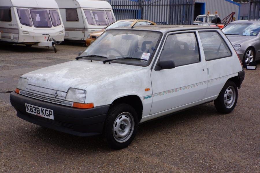 Renaulten precis som den hittades – med originalsmuts och allt!