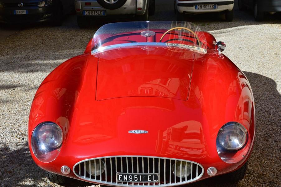 Nästan en Ferrari, för det var ju en 500 Mondial som en gång sotd modell för Ockelbon.