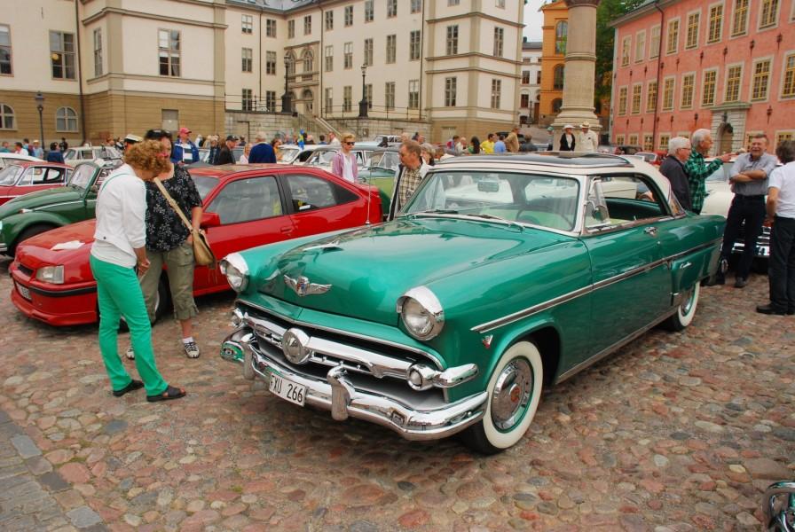 Riddarholmen är en av startplatserna för Motorhistoriska Dagen i Stockholm.