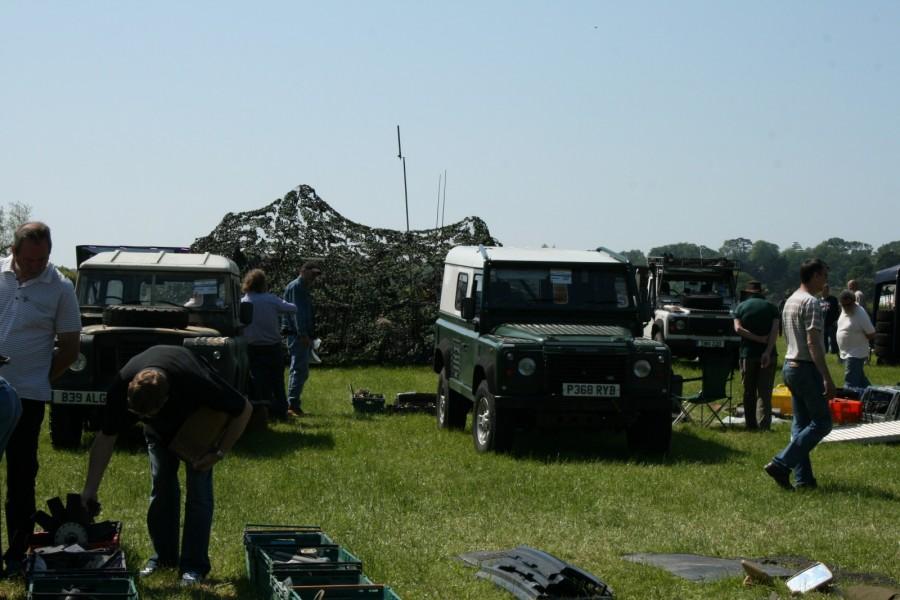 På söndagen hölls Land Rover-marknad.
