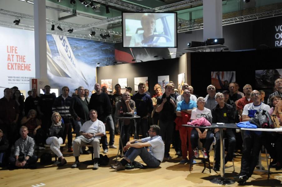 Fullt med åskådare i Ocean Race-hallen i Volvos Museum under kvällens 240-föreläsning.