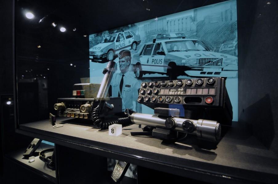 Polisradioutrustning som den såg ut innan det digitala systemet RAKEL kom.