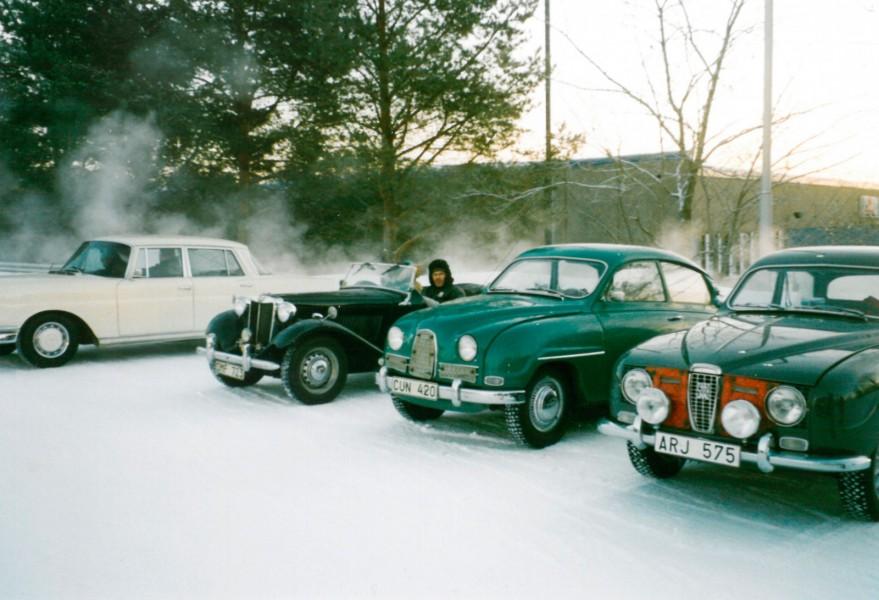 Det syns hur kallt det är! Den här bilden är från det första rallyt som Leo och Britta Tatti var med på i Jyväskylä.