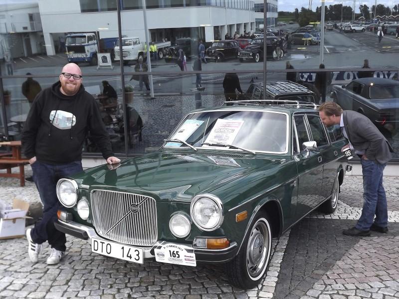 Klassikers Fredrik Nyblad är på plats på träffen med sin unika Volvo 165 - byggd av Yngve Nilssons Karosserifabrik 1972.