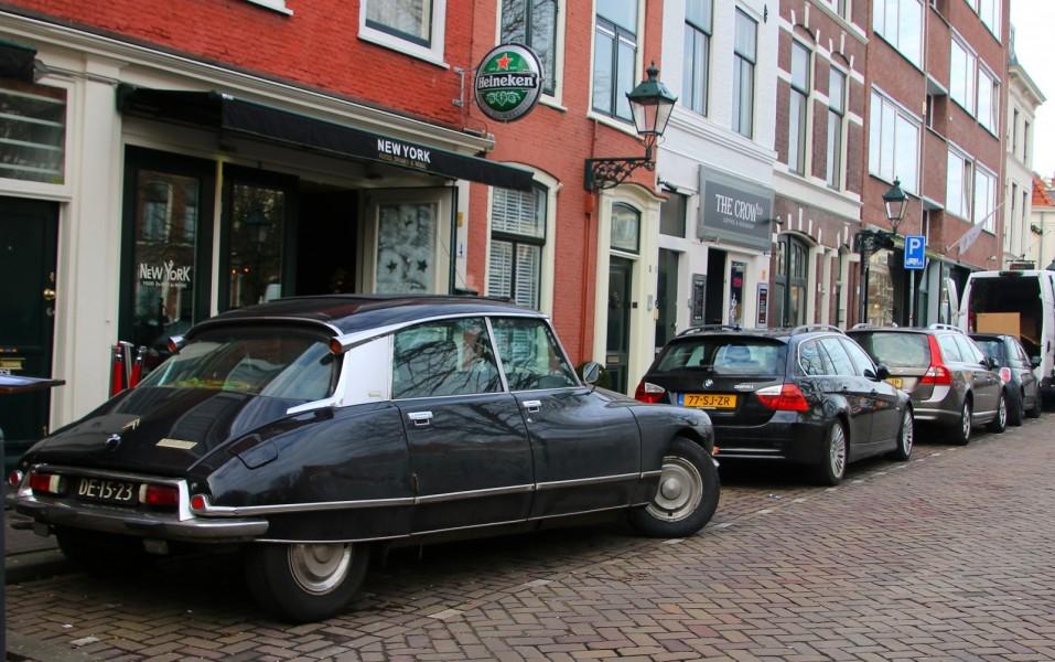 På gatorna i Haag