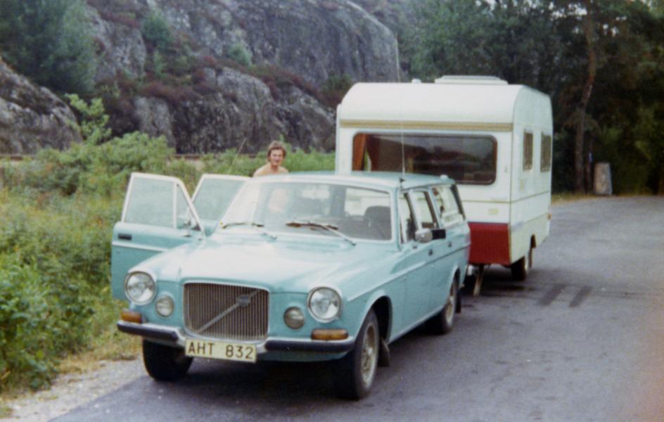 Ingemar Johnzon köpte 1974 den här Volvo 165:an. Den hade byggts om till herrgårdsvagn redan när bilen var ett år gammal. Tyvärr finns den här Volvon inte kvar i registret.