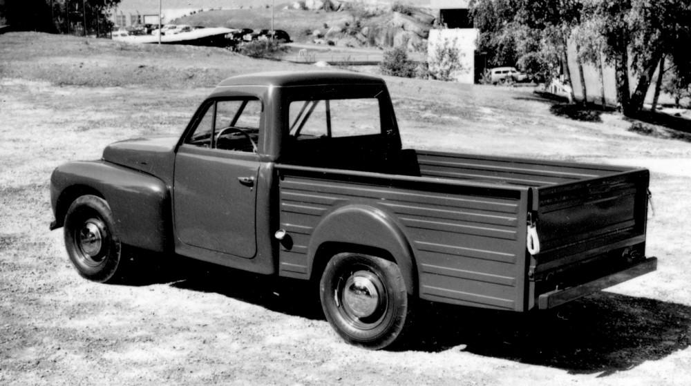 Den ena prototypen som Volvo hade ett separat flak som såg ut att tåla tuffa tag. Den var lackerad mörkgrön.