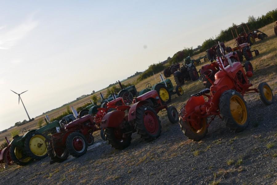 Klassiska bilar och traktorer på auktion!