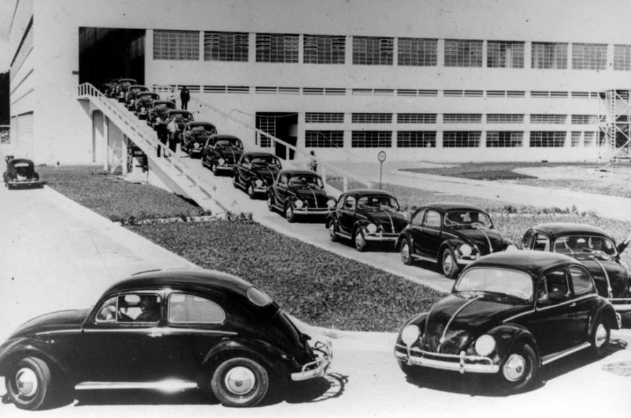 På en lång rad 1953