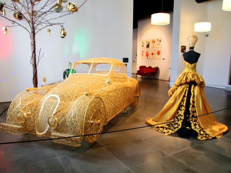 Bil och mode på museum