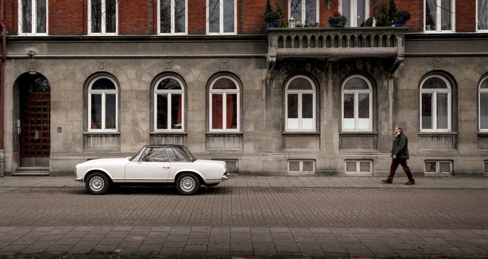 Vilken rolig bil hade du valt om du var nitton och året var 1974? Håkan valde Pagoda.