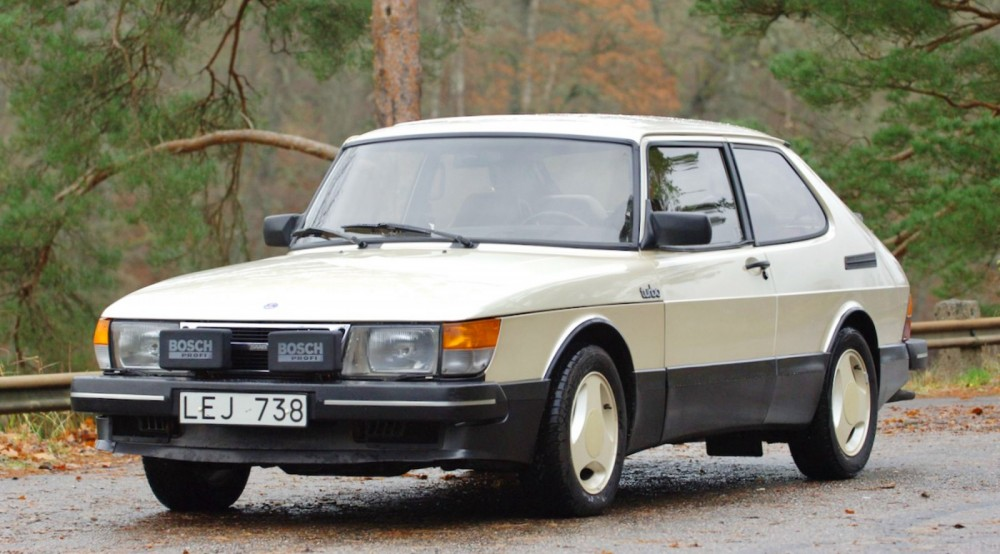 Saab 900 Aero med unik historia på auktion!