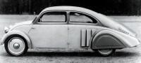 En liten Tatra? Nej det är en DKW! F2 i strömlinjeform, avancrad design från 1932.