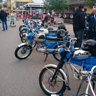Mopedutställning / Insamling Barncancerfonden