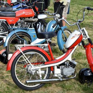 Mina vänners mopeder
