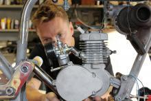 Det blir nog bra. Men avståndet mellan motor och turbo är kort. Här krävs verkstadsfinkirurgi.