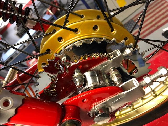 Red Spinner – del 16