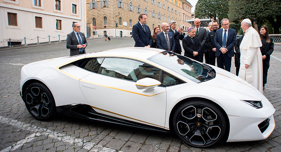 Välsignad Lamborghini