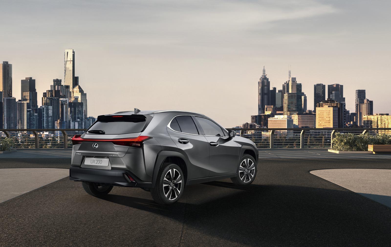 Lexus visar nya crossovern UX