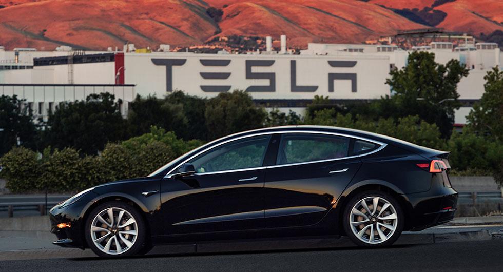 Tesla pausar bygget av Model 3