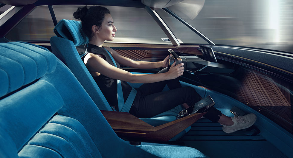 Peugeot spänner musklerna med e-Legend