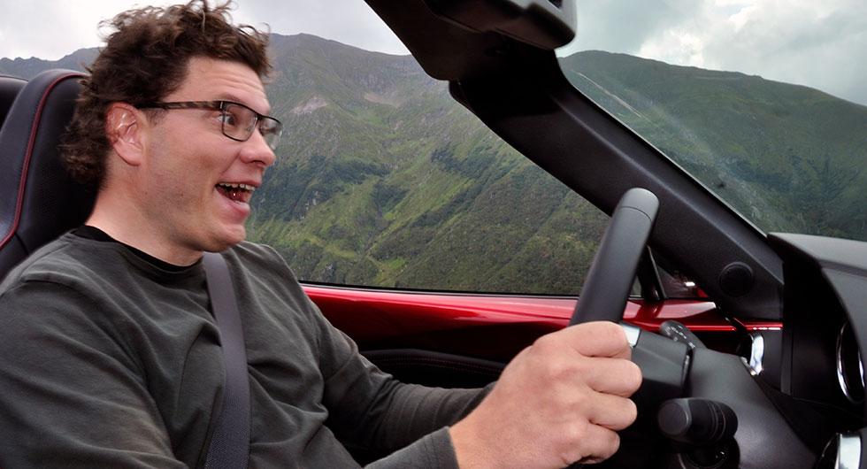 Se så glad Helgesson blir över 30 millimeter justerbar ratt i längdled.
