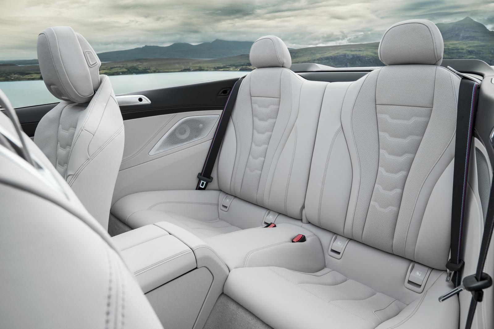 Luftig lyx med nya 8-serie Cabriolet