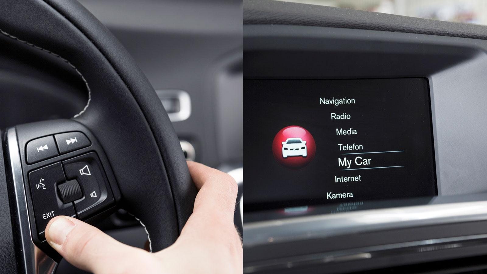 Volvo: Fastän Volvo har vred och knapp till sitt infotainment så är det logiskt och busenkelt att använda. Och displayen håller sig fräsch när ingen ständigt fingrar på den!