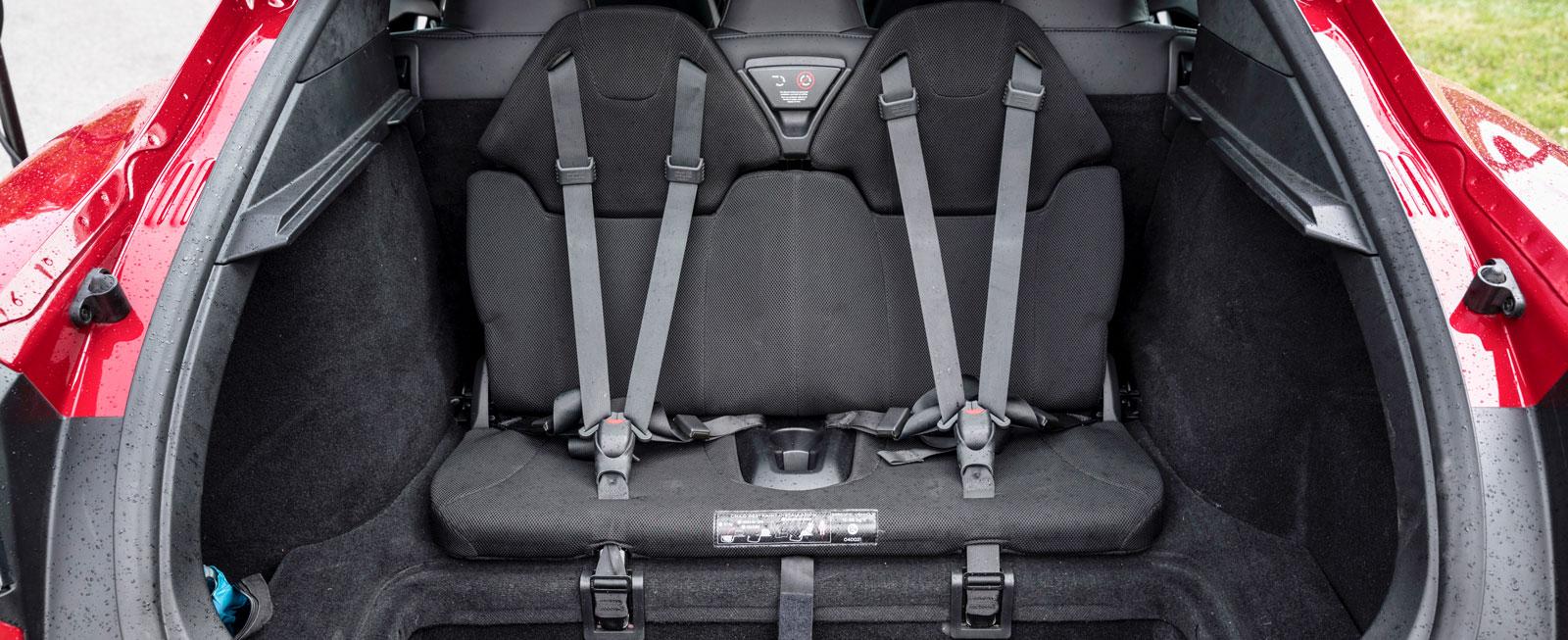 Tesla erbjuder extrasäten för barn (15–36 kg) i bagageutrymmet.
