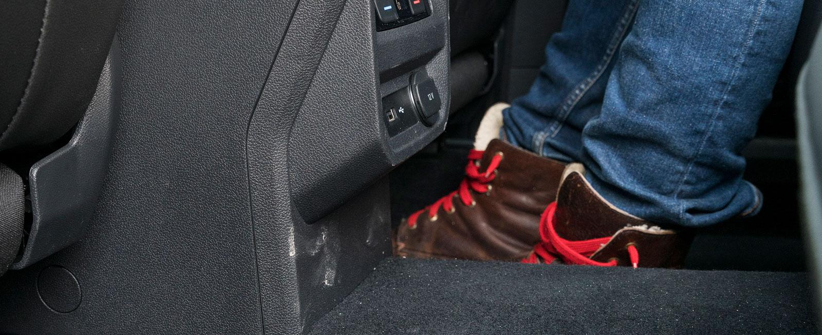 Allspace är testets enda bil med kardantunnel som stjäl plats på baksätesgolvet.