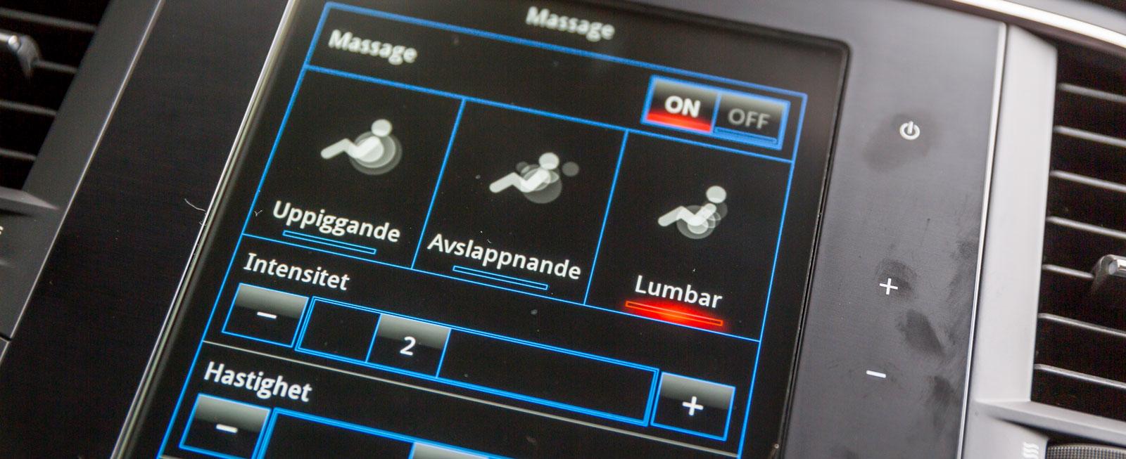 Ljudanläggningen styrs med ett, för Renault-förare, välbekant reglage till höger på rattstången.