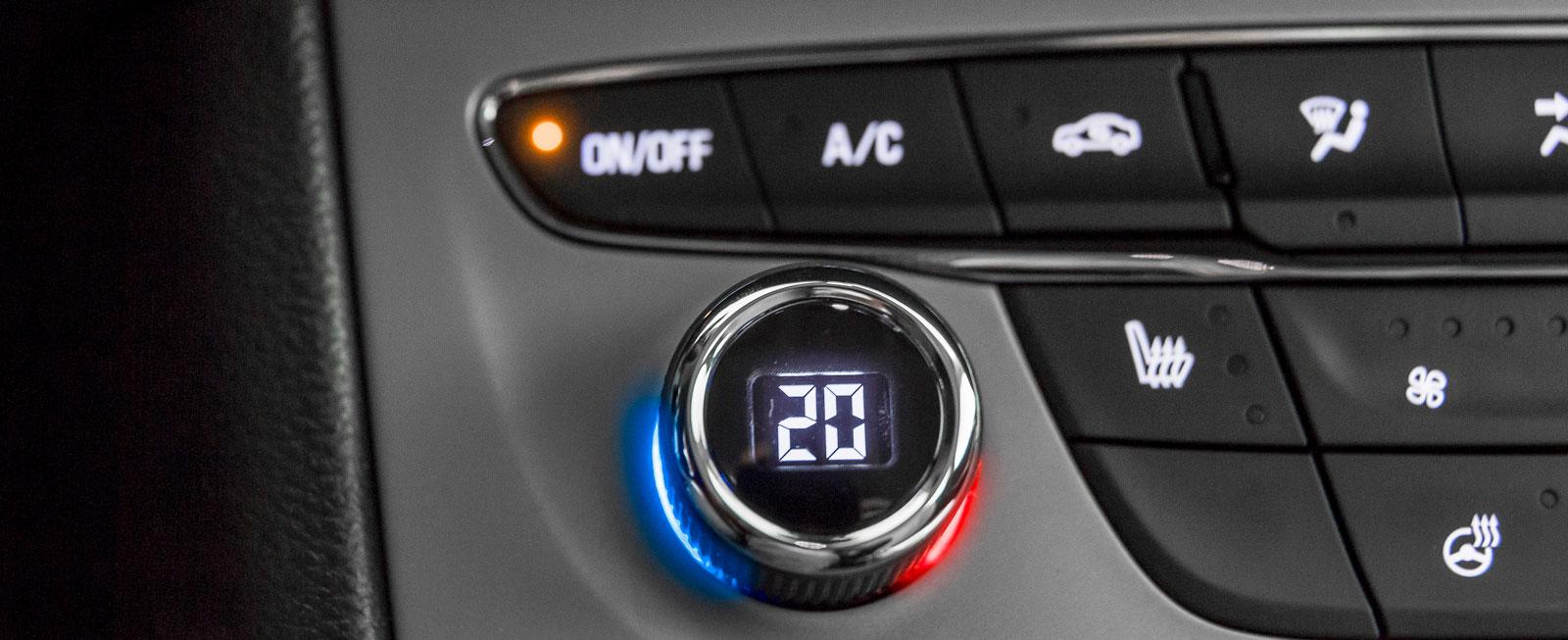 Tvåzoners klimatanläggning är tillval på Astra Enjoy och kostar 3900 kronor extra. Standard är vanlig luftkonditionering.