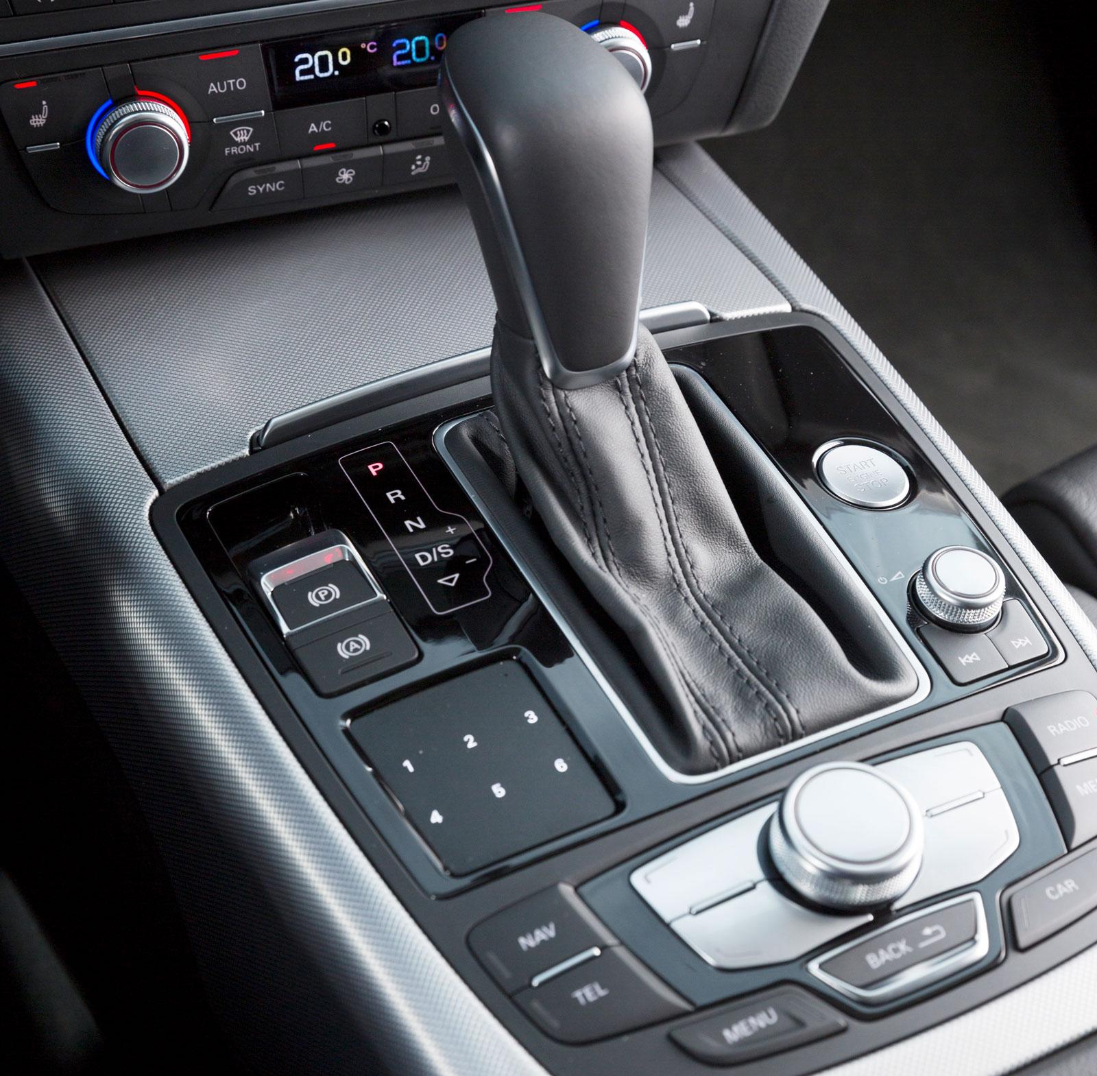 """A6:ans dubbelkopplingslåda är """"bara"""" sjustegad. Volvo har åtta växlar och Mercedes nio."""