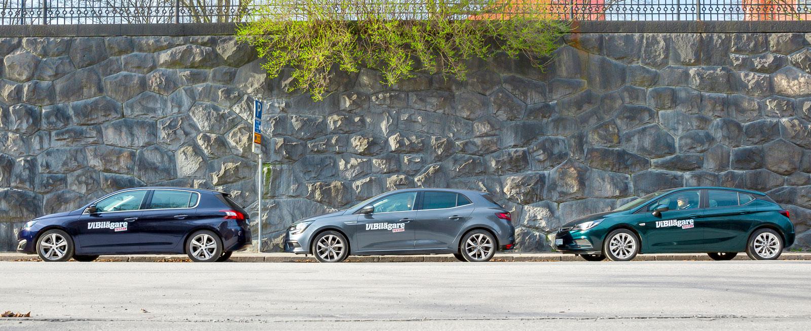 Opel Astra sist i kön, efter Peugeot 308 och Renault Megane. Men bilden ljuger! Astrans slutplacering i testet blev betydligt bättre än så...